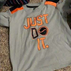 Nike t shirt 3t